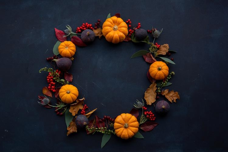 5 Outdoor Decorations for the Fall